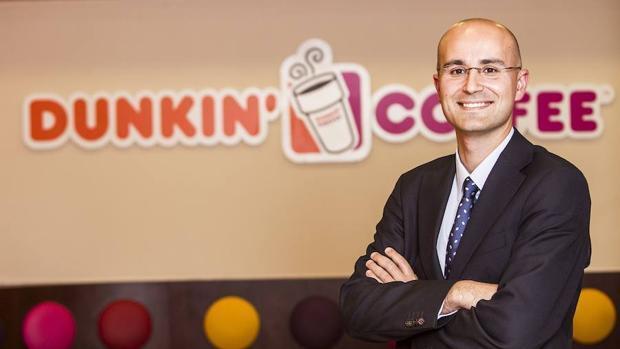 Dunkin'Coffee lanza su servicio de entrega a domicilio de la mano de Deliveroo