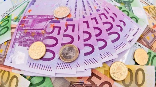 Cazan a un matrimonio por estafar 70.000 euros en cinco años a la anciana que cuidaban