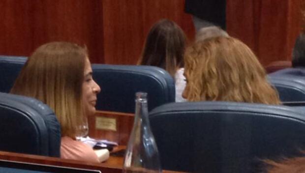 La diputada Moñux vuelve a la Asamblea tras meses de baja
