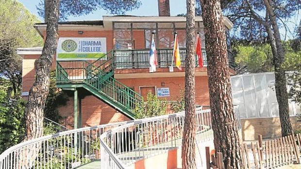 Educación revoca la autorización al centro educativo Dharma de Pozuelo