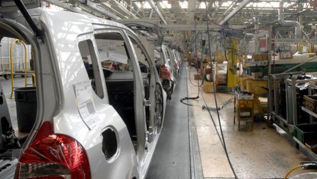 Una empleada de Renault pierde un brazo al sufrir un accidente en la planta de Montaje de Valladolid