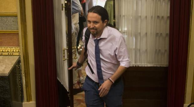 Iglesias se niega a pedir a Puigdemont que dé marcha atrás para propiciar el diálogo e insulta a Rajoy