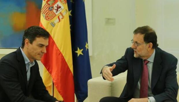 Rajoy repara el frente común con Sánchez y Rivera tras la división en el Congreso