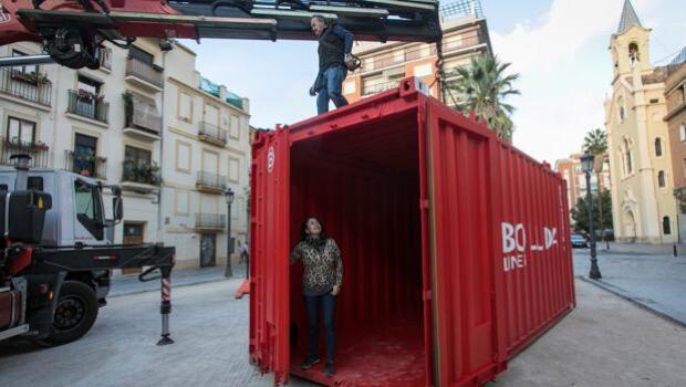 ¿Cómo es vivir sin el mar?: la voz de los vecinos de Nazaret irrumpe en Intramurs