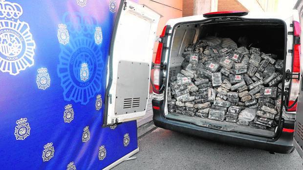 Cae una red de narcos que ocultó 1,2 toneladas de cocaína bajo tierra