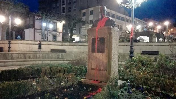 Desaparece el busto de Manuel Fraga en Vilalba