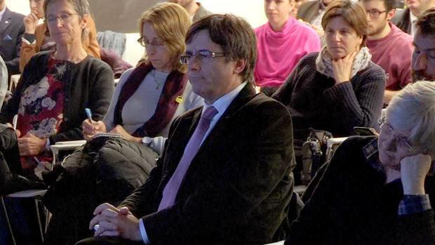 La decisión de entrega de Puigdemont a España se aplaza al 4 de diciembre