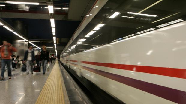 Casi seis horas de retrasos en el Cercanías de Madrid por una avería