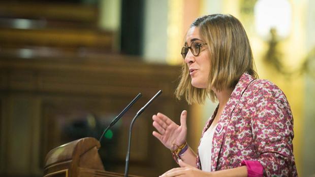 Compromís pide la retirada de la campaña «Menores sin alcohol» por «promover la aceptación de la violación»