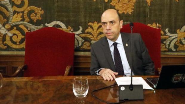 El alcalde de Alicante declara este viernes ante el juez por despedir a la funcionaria cuñada del portavoz del PP