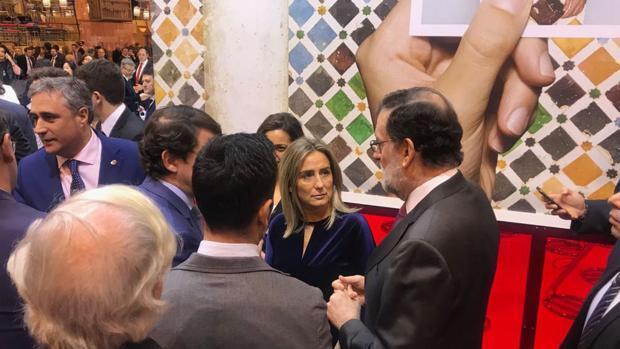 Tolón pide a Rajoy en Fitur una mejor financiación para los ayuntamientos