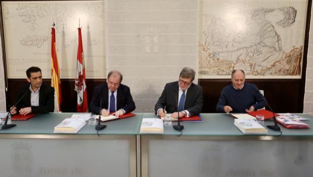 Castilla y León lanza un plan especial de empleo para contratar a 9.000 mayores de 55 años