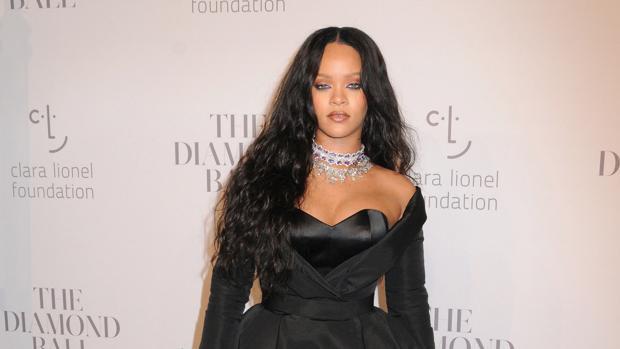 Rihanna le pide a David Copperfield que le devuelva su virginidad