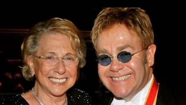 El enfrentamiento que distanció durante nueve años a Elton John con su madre