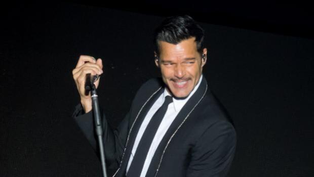 Ricky Martin revoluciona las redes sociales con su desnudo