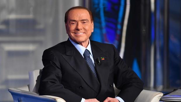 Berlusconi: «Deneuve ha dicho cosas sacrosantas; hacer la corte no es una ofensa»
