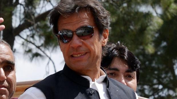 Las tres bodas de Imran Khan, el amigo de Lady Di que cambió su vida de playboy por la política en Pakistán