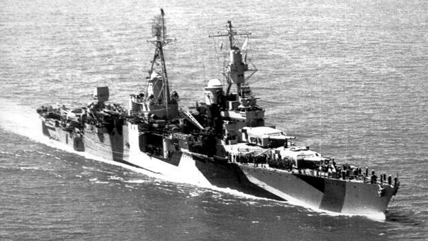 La tragedia del «USS Indianápolis», el buque espía cuya tripulación fue desmembrada por tiburones