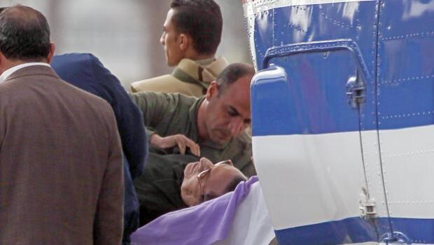La Justicia limpia a Mubarak de responsabilidad en la muerte de los manifestantes de Tahrir