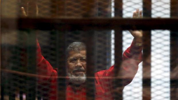 Cadena perpetua definitiva para el expresidente egipcio Mursi por espiar para Qatar