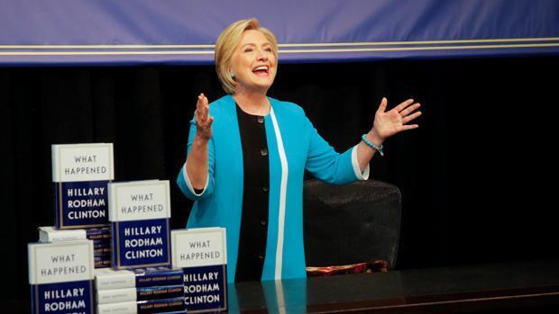 Hillary Clinton exhibe en su libro poca autocrítica y mucho rencor