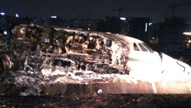 Reabre el Aeropuerto Atatürk de Estambul tras el incendio de un avión privado