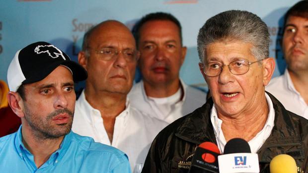 Capriles amenaza con dejar la Mesa de la Unidad de Venezuela por la «traición» de cuatro gobernadores