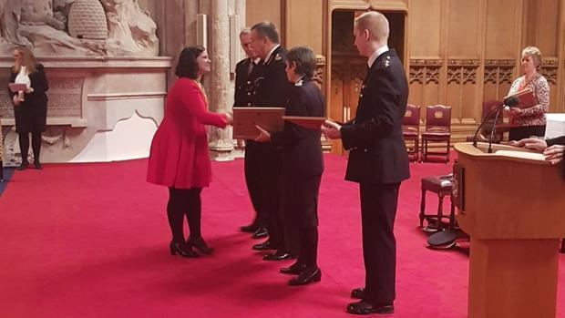 Ignacio Echeverría recibe a título póstumo la máxima condecoración de la Policía británica