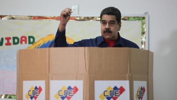 La oposición venezolana propone a Maduro sentarse en la mesa de negociación
