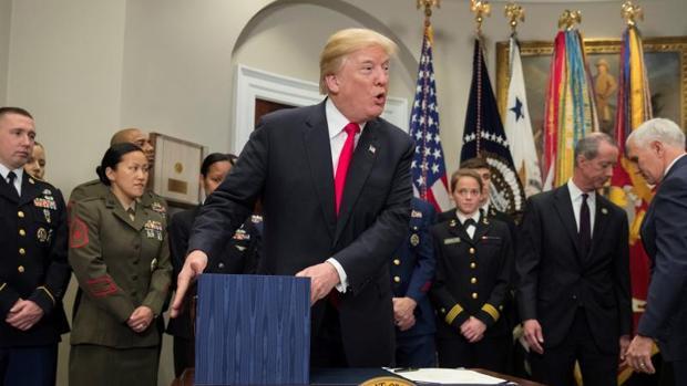 Trump acerca el gasto militar al mayor nivel desde la II Guerra Mundial