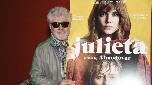 Almodóvar, sobre «La Reina de España»: «Estoy horrorizado por la campaña contra Trueba»