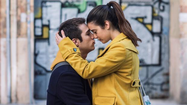 «Amar»: Oda al amor juvenil en los tiempos de Instagram