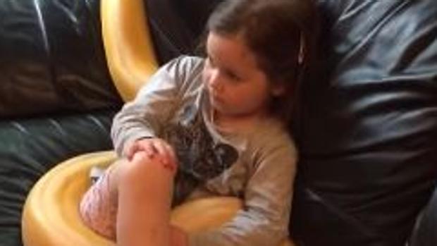 La increíble amistad entre una niña y una serpiente