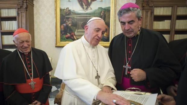 El Papa plantea a los obispos chilenos la posibilidad de visitar Chile y Perú en 2018