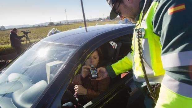 Tráfico no permitirá a los reincidentes por alcohol y drogas que recuperen puntos del carné
