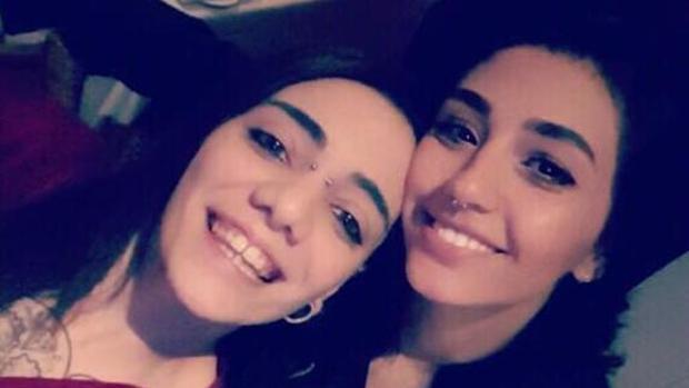 La joven desaparecida en Turquía y su novia llegan a Barcelona en buen estado