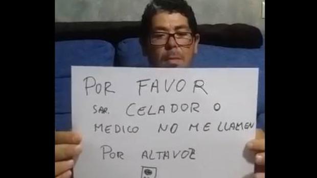 Un paciente sordo espera siete horas en Urgencias porque le llamaron por megafonía