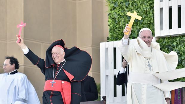 El Papa invita a los jóvenes chilenos a «recargar la batería del corazón»