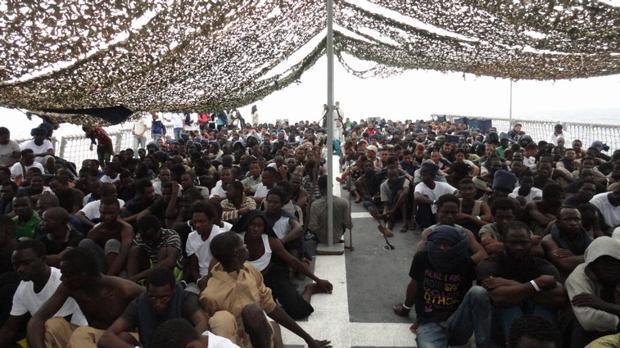 Mueren 90 inmigrantes tras un naufragio frente a las costas de Libia