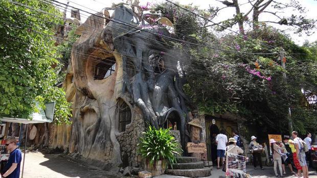 «La Casa Loca», el hotel museo de Vietnam que atrae a miles de turistas