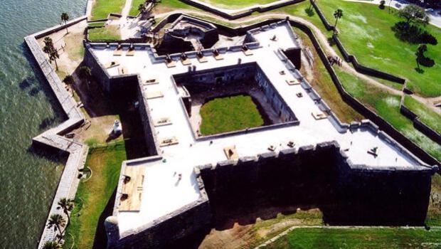 Las 20 fortalezas más impresionantes construidas por España en el mundo