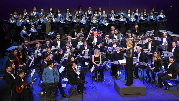 La Unión Sinfónica de Utrera y la Escolanía se dan la mano