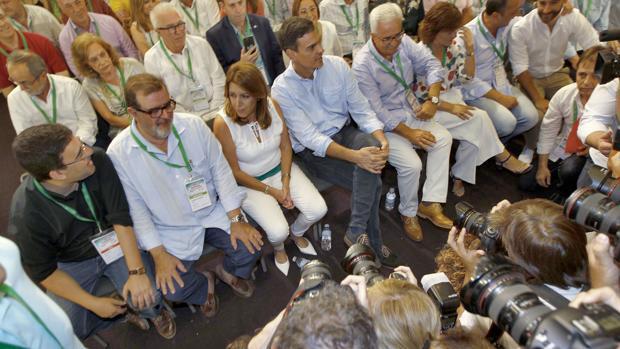 Susana Díaz mantiene el control del PSOE en todas las provincias