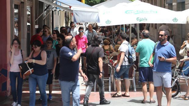 Veladores en Córdoba: crónica de una larga polémica