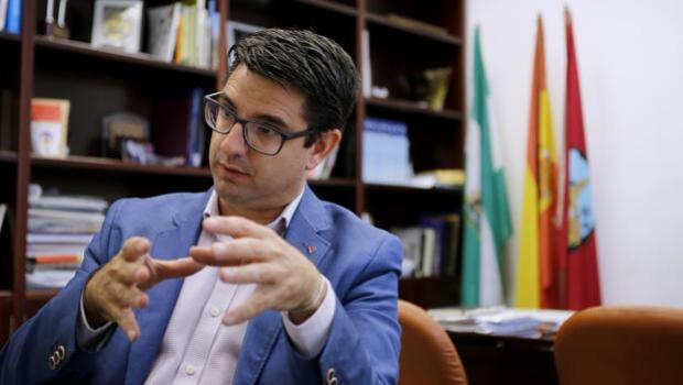 Pedro García: «Tenemos que ir con más gente a las elecciones en Córdoba, IU no debe ir sola»