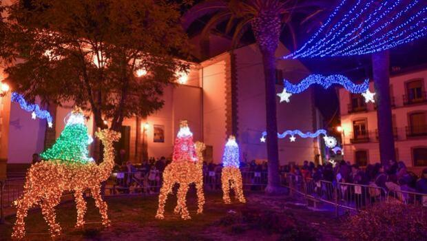 La Navidad ilumina Aguilar, Cabra, Baena, Puente Genil, El Carpio, Cañete, Pozoblanco y Lucena