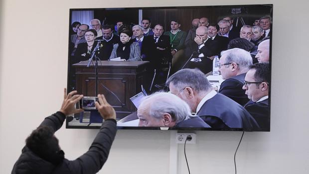 Qué opina la España política del juicio del caso ERE