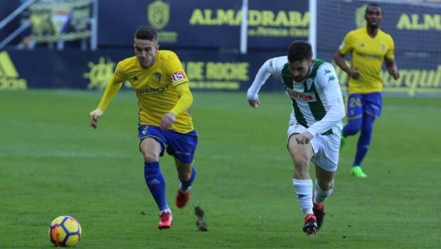 Javi Galán, baja en el Córdoba CF ante el Albacete