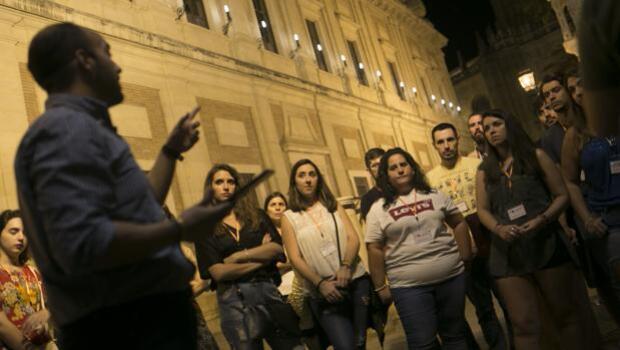 Un público entregado inunda Sevilla de cultura y rememora la Expo 92