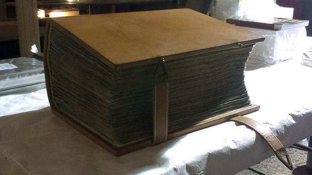 La Biblia completa y en latín más antigua del mundo, de nuevo en Inglaterra